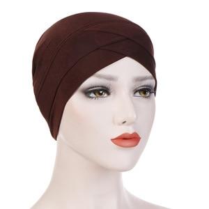 Image 3 - נשים מוסלמי חיג אב צעיף הפנימי חיג אב Caps גבירותיי האסלאמי צלב סרט טורבן כיסוי ראש גומייה לשיער נשים המוסלמי חיג אב