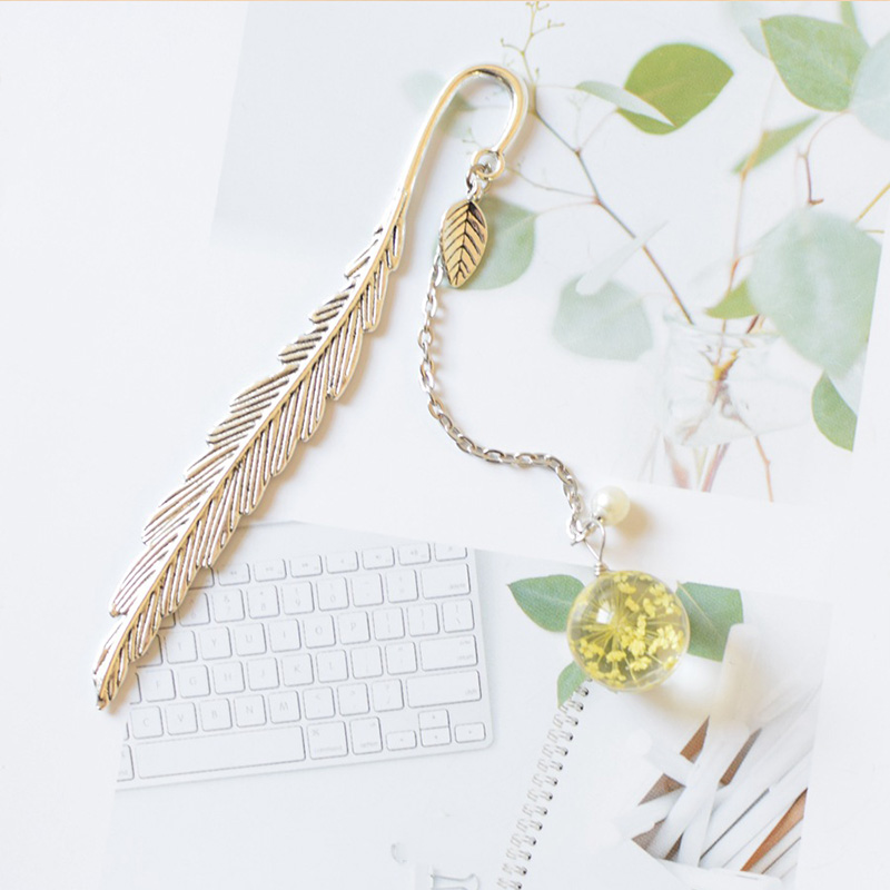 1pc Brass Metal Leaf Bookmark Creative Flower Pendant Book Mark For Kids Christmas Gift School Office Supplies Korean Stationery