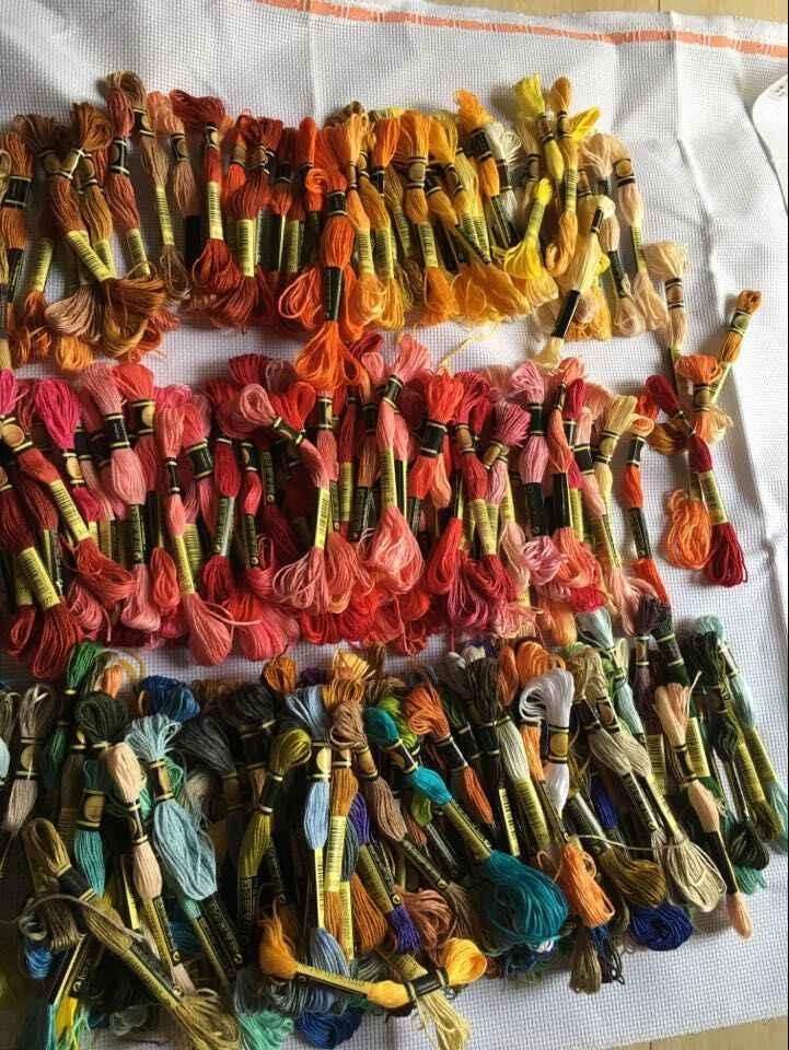 100 חתיכות שונה צבע צלב תפר אשכולות חוט חוט 8 מטרים ארוך 6 גידים צלב תפר פקעות מותאם אישית צבע