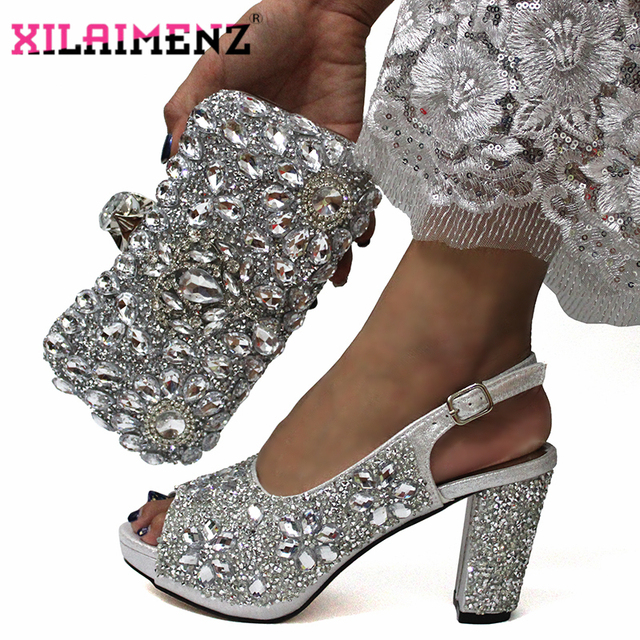 Son İtalyan kadınlar ile süsleyin taklidi eşleşen ayakkabı ve çanta seti gümüş renkli yüksek kaliteli ayakkabılar uyumlu çanta evlenmek için