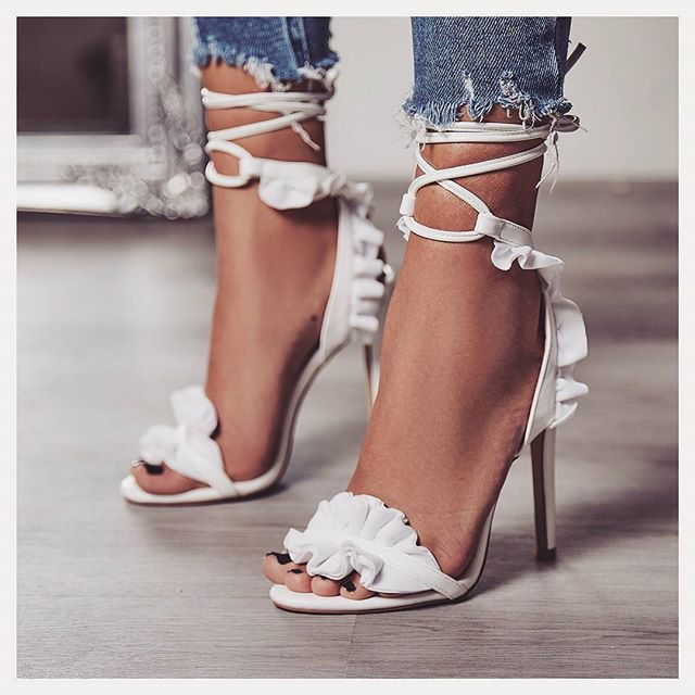 Sexy Women Pumps Bridal Shoes Woman High Heels Floral White Shoes Lace Up Peep Toe Ladies Sandals Classic Pumps 2020