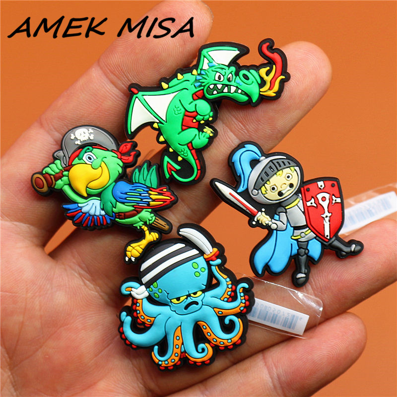 High Imitation 1pc Shoe Accessories Pirate Parrot Octopus Shoe Charms Garden Shoe Buckle Decorations Fit Croc JIBZ Kids Gift U40