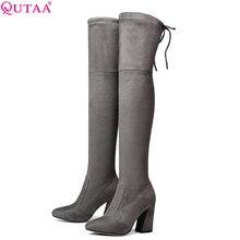 Женские сапоги выше колена QUTAA, черные теплые сапоги с подкладкой из короткого плюша, на расширяющемся книзу каблуке, зимние сапоги, размеры 34 43, 2020