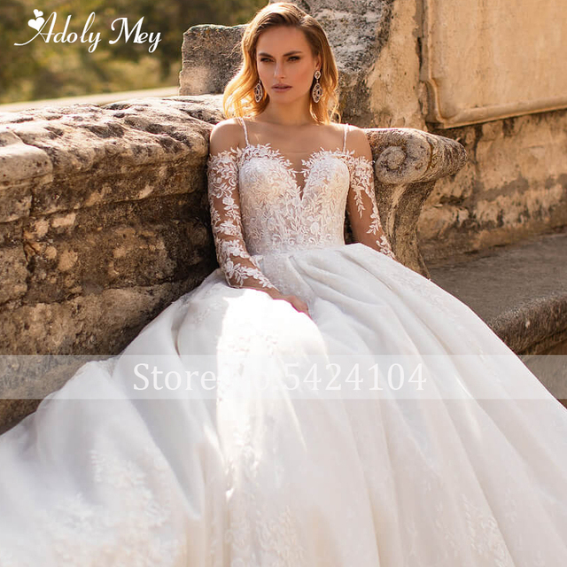 Glamorous Lace Appliques Court Train A-Line Wedding Dress 2021 Luxury Sweetheart Neck Beading Long Sleeve Princess Wedding Gown 6