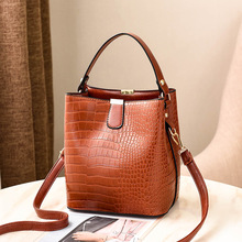 купить New Casual Shoulder Bag Fashion Stitching Wild Messenger Brand Female Totes Crossbody Bags Women Leather Handbags дешево
