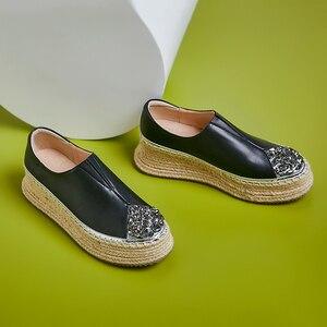 Image 3 - 여성 정품 가죽 슬립 온 플랫폼 플랫 로퍼 레저 부드러운 편안한 모카신 라인 석 대마 두꺼운 단독 캐주얼 신발