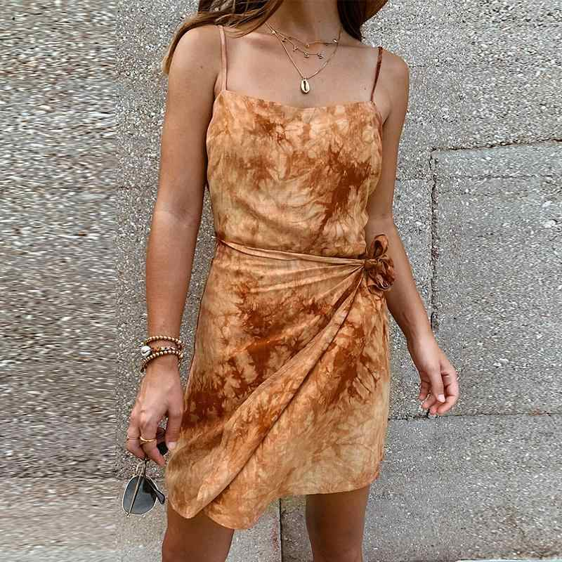 Fargeous 2020 Musim Panas Busana Tie Dye Spaghettu Tali Pendek Gaun Pantai Liburan Wrap Mini Dress Wanita Fashion Backless Vestidos