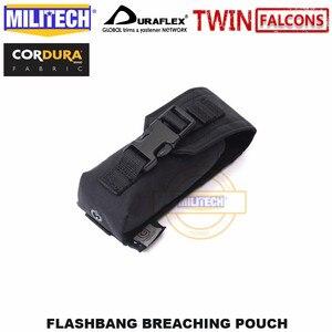 Image 2 - MILITECH Tactical Flashbang łamanie etui TWINFALCONS TW złuszczona 500D Cordura wykonana torba na akcesoria Flash dym bomba etui