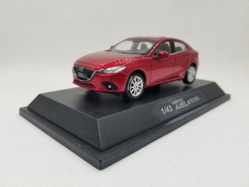 1:43 Diecast Model for Mazda 3 Axela 2014 Red Sedan Alloy Toy Car Miniature Collection Gifts Mazda3 1 18 diecast model for ford tourneo brown mpv alloy toy car miniature collection gift