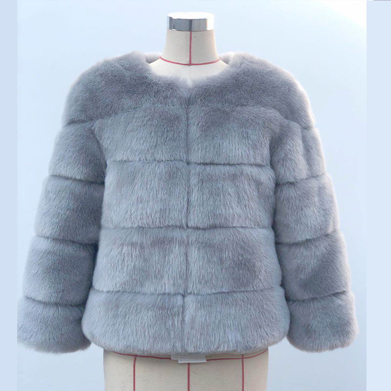 Faux Fur Coat Women Fluffy Short Round Neck Long Sleeve Thicken New Fashion Celebrities Street Winter Outerwear Party Overcoat