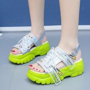 Image 4 - 2019 yaz tıknaz sandalet kadın 8cm kama yüksek topuklu ayakkabı kadın toka platformu deri rahat yazlık terlik kadın sandalet