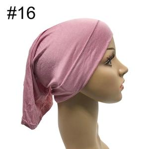 Image 3 - 1 adet sıcak satış müslüman iç başörtüsü kadınlar başörtüsü streç elastik Underscarf islam iç kapaklar tüp eşarp