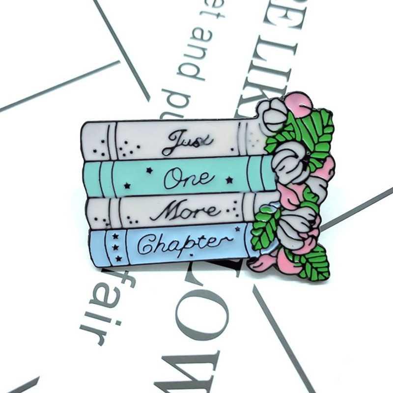 Badge del fumetto lettera Solo un altro capitolo pin magico pastello libro spilla fiori di arte distintivo letterario dei monili libresco spille