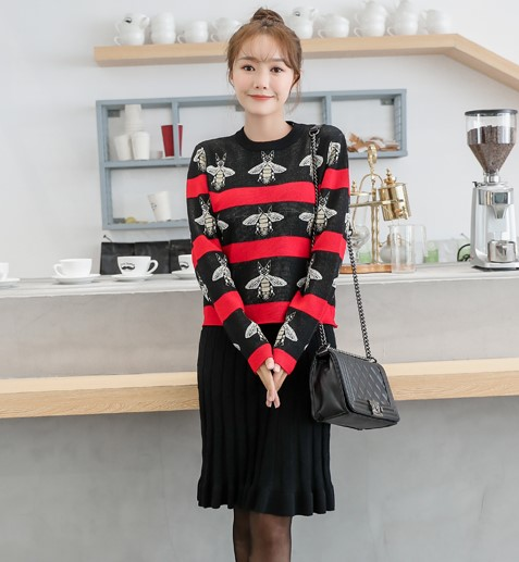 Bees Hit Striped Colored Women Knitted Sweater Skirt Suits OL Autumn Winter Vintage Fashion Clothing Sets