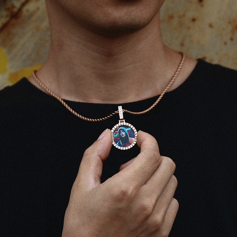 Exquisito círculo pequeño, medallón y colgante con imagen personalizada para amantes, joyería de Hip Hop para hombres y mujeres, circonita cúbica de cristal sin cadena