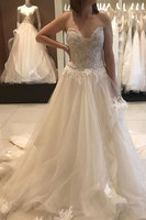 Luxury Applique Lace Tiered Backless Strapless A-line Sweetheart Wedding Dress Vestido de Noiva Beaded Wedding Formal Gown
