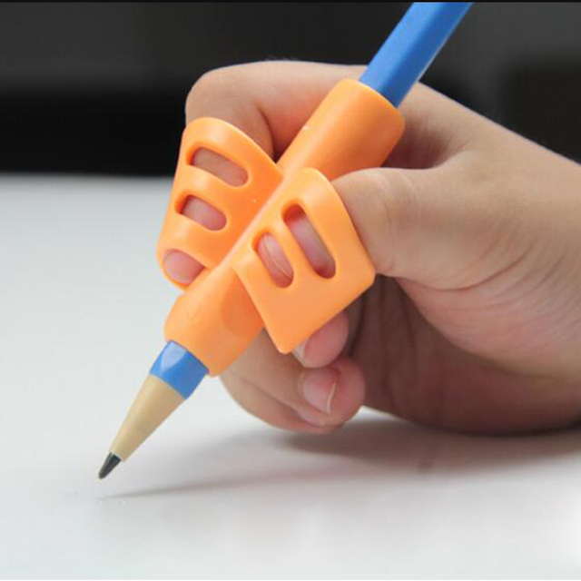 Two-Finger TPR Pencil And Pen Holder 3 Pieces Of Writing Training Correction Tool Pen Holding Elementary School Bracket Set Gift 2