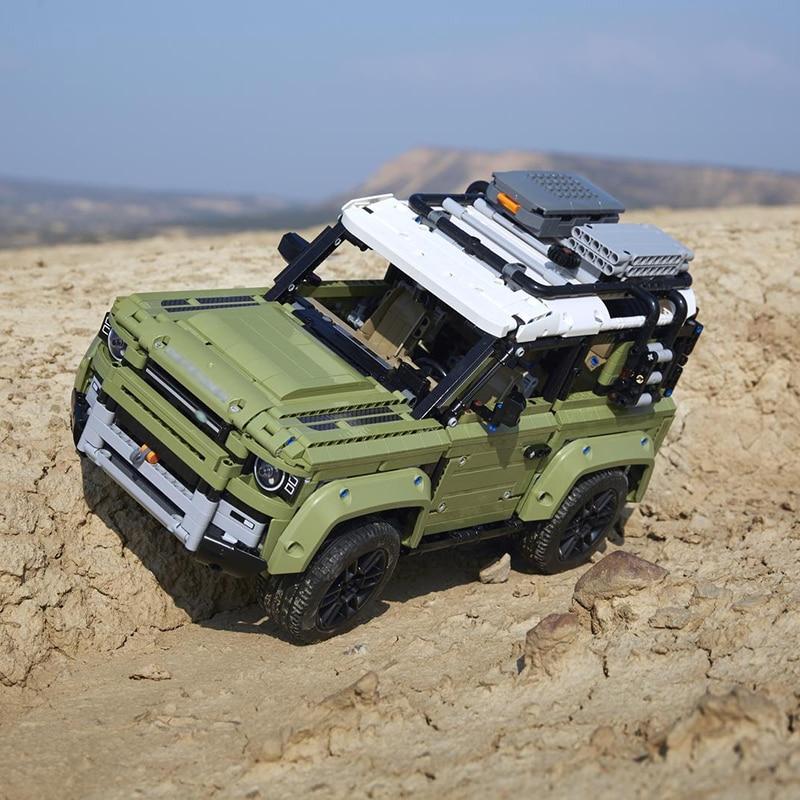 Image 2 - Technic игрушечный автомобиль, совместимый с Legoinglys 42110 Land Rover Defender, набор, Сборная модель автомобиля, строительные блоки, кирпичи, рождественский подарок, игрушка-in Блоки from Игрушки и хобби on AliExpress
