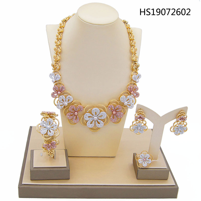 Yulaili New Trendy Hawaii Tricolor Flowers Crystal Pendant Necklace Earrings Dubai Jewelry Sets for Women Weddding Accessories in Jewelry Sets from Jewelry Accessories