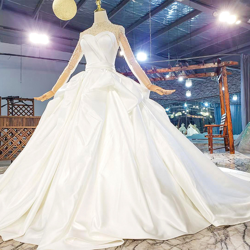 HTL1817 Simple White Sequined Beading Satin Wedding Dress 2020 Sweetheart Long Sleeve Ball Gowns 3