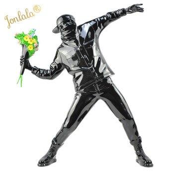Figurine de bombardier en résine à fleurs Banksy | Sculpture de rue de l'angleterre, Statue de bombardier en polypierre, Art à collectionner