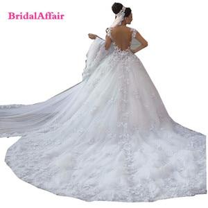 Image 2 - Роскошное люксовое кружевное свадебное платье с открытой спиной и шлейфом