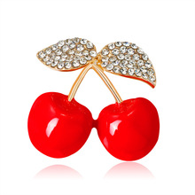 2018 New Simple Sweet Girl Drip Oil Red Rhinestone Cherry Brooch Pin Bags Hat Corsage for Women Fashion Jewelry Accessories