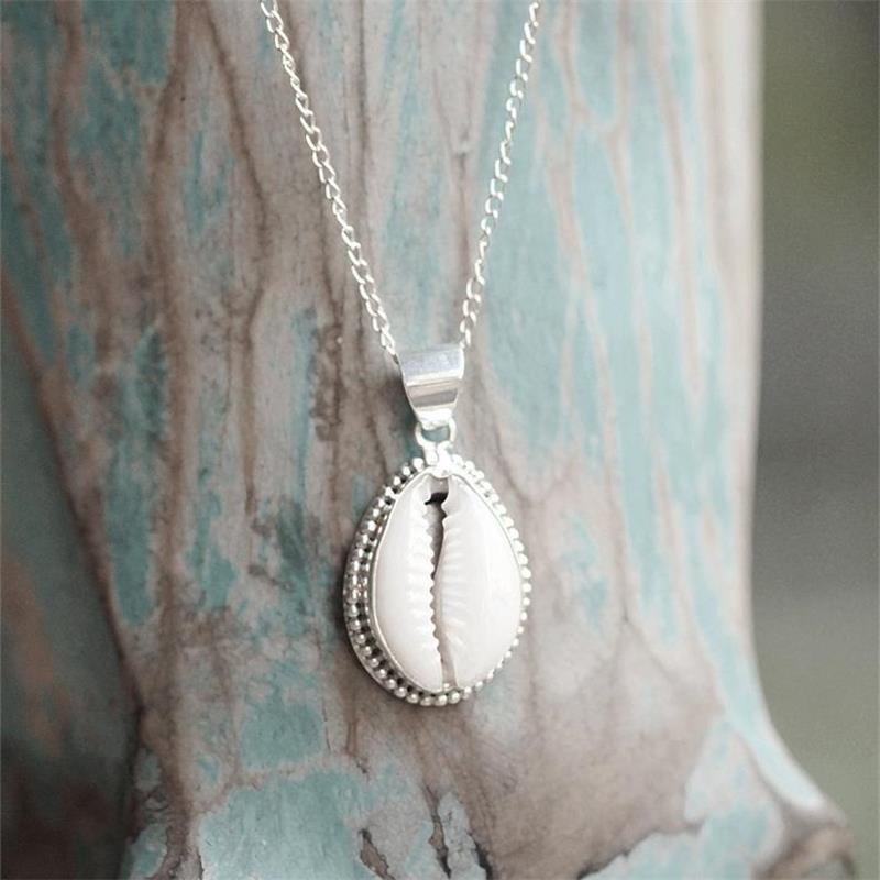 Simple Shell Necklaces for Women Seashell Shape Pendant Seashell Ocean Beach Boho Jewelry Gifts