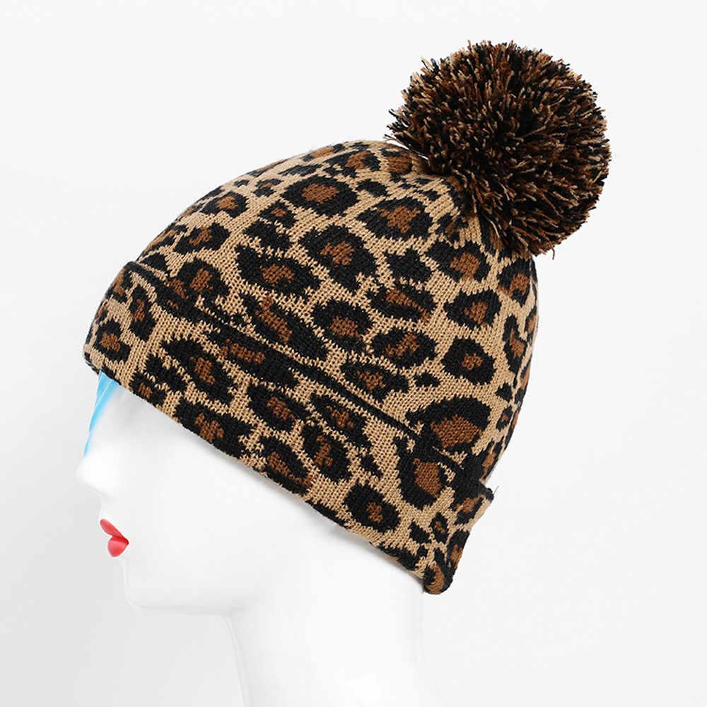 ليوبارد الشتاء ليوبارد الكروشيه المرأة الفراء قبعة الكبار الرجال متماسكة قبعة مع pompom قبعة Hairball قبعة دافئة فاتحة فام hiver # ZA