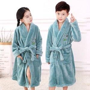 Image 2 - Bebê menina robe flanela quimono banho crianças vestido de noite pijamas unisex crianças bonito dos desenhos animados roupão coral velo nightwear