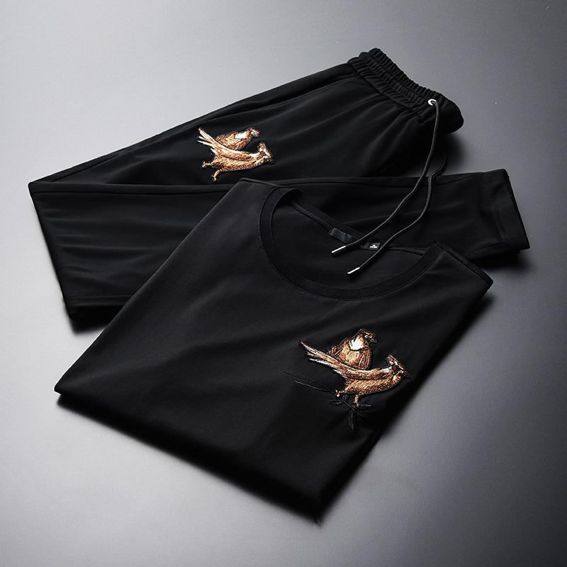 Летние мужские комплекты (футболки + брюки), высокая плотность, вышитые с коротким рукавом, мужские комплекты размера плюс 3XL 4XL, мужские комплекты со штанами