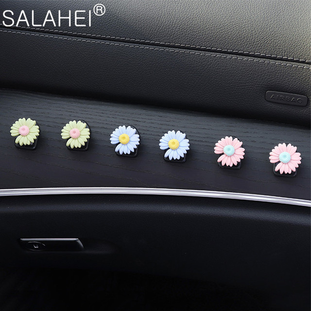 Car Hook Front Row Car Door Multi function Daisy Pattern Organizer Clip Invisible Small Hook Cartoon Cute Auto Goods Accessories