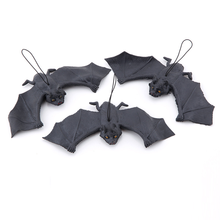 Two Size Simulation Bat Artificial Funny Pendant Rubber for Halloween Haunted House Fool Day  Funny Bat Decoration Items