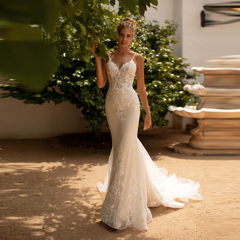 Delicate Slim Mermaid Lace Sleeveless Wedding Gowns for Bride Back Out Spaghetti Straps Bridal Wedding Dresses V Neckline 2020