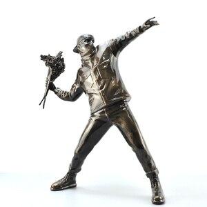 Image 5 - שרף צלמית אנגליה רחוב אמנות בנקסי פרח מפציץ פיסול פסל מפציץ polystone איור אסיפה אמנות צעצוע