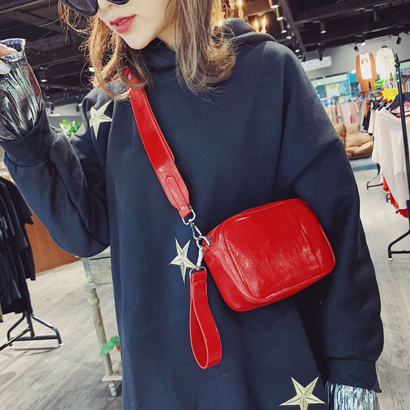 2019 New Women's Waist Bag Leather Fanny Pack Red Hip Bag High Quality Banana Bag  Shoulder Xie Na Celebrity Same Kidney Bag