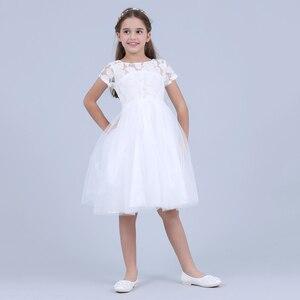 Image 2 - Blumen Kurzarm Weiß Baby Mädchen Kleid Infant Kleinkind Sommer Ballkleid Spitze Taufe Party Kleider Kinder Mädchen Kleidung