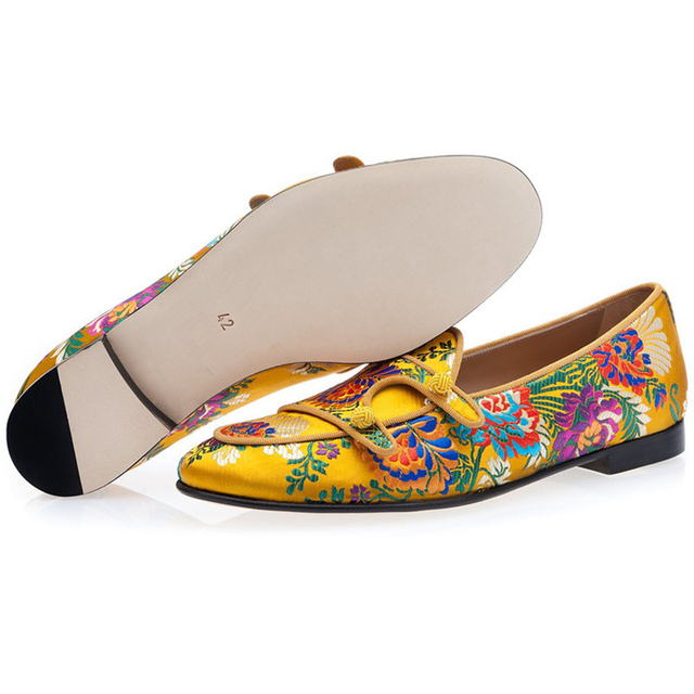 Ethnic Embroidery Flower Party Shoes Man Round Toes Flat Heel Slip-on Loafers Knitted Ball Belt Decor Spring Men Shoes 1