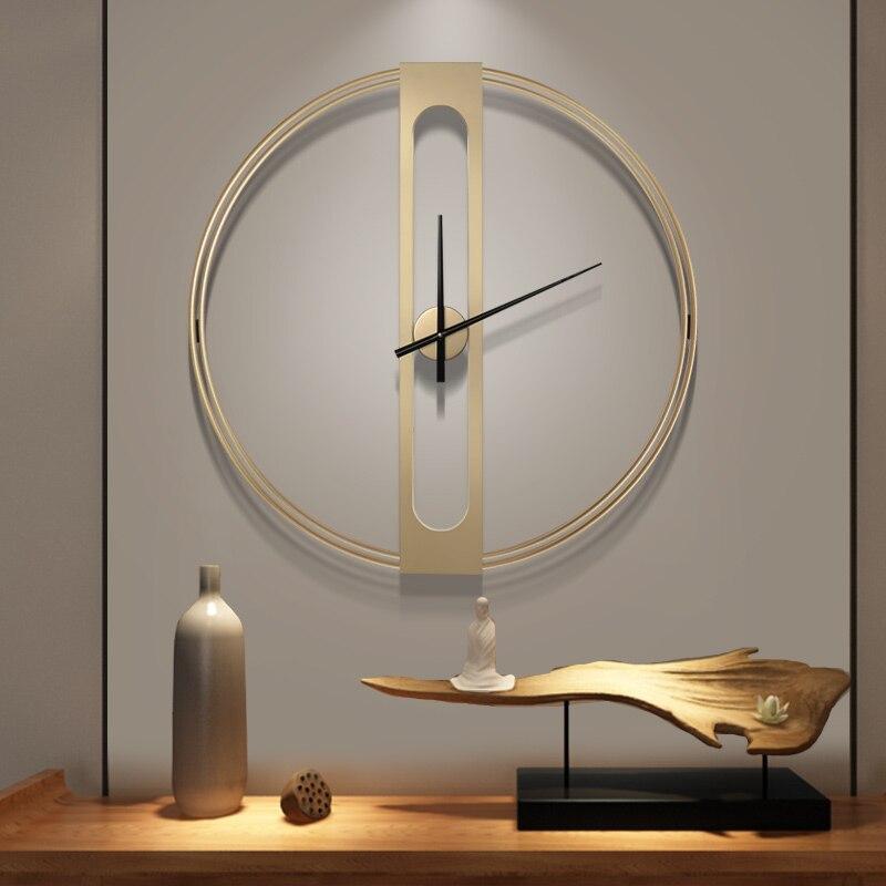 Grande horloge murale en métal de luxe Design moderne nordique Simple 3D décoration suspendue montre grandes horloges murales décor à la maison 70 cm