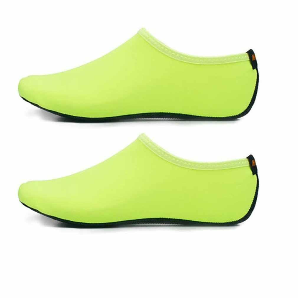 Katı renk erkekler kadınlar çabuk kuruyan su ayakkabısı Aqua çorap egzersiz havuzu plaj dans yüzme dalış kayma çorap