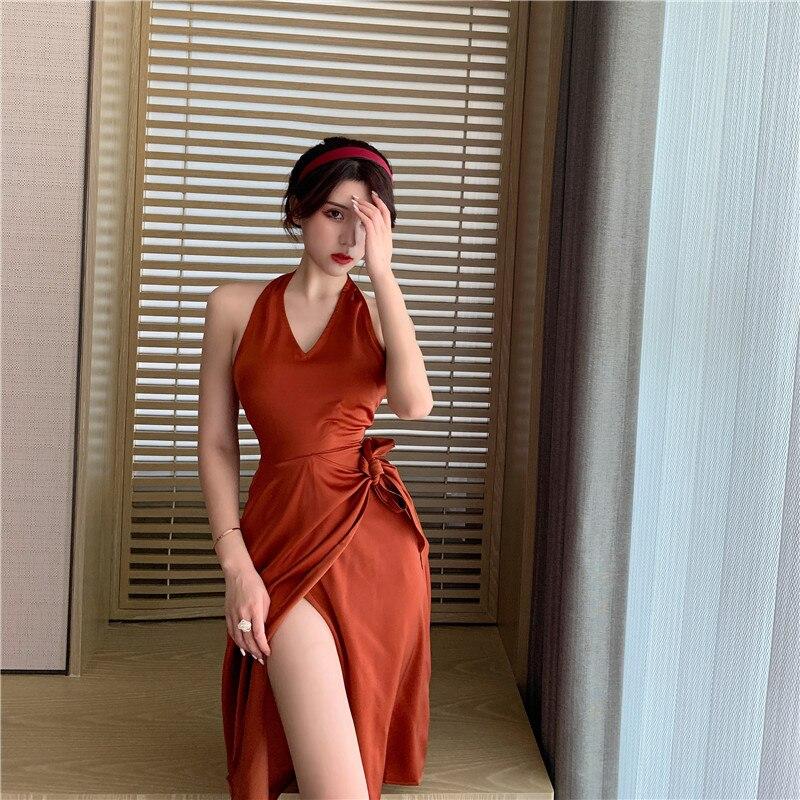 Женское атласное платье с лямкой на шее, длинное привлекательное асимметричное платье в корейском ретро-стиле для отпуска в гонконгском ст...