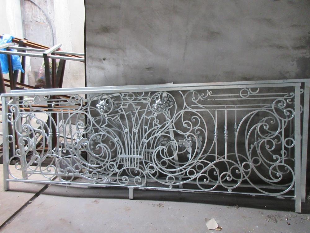 Hench Shanghai Factory Custom Design Indoor Outdoor Wrought Iron Balcony  Iron Balustrades