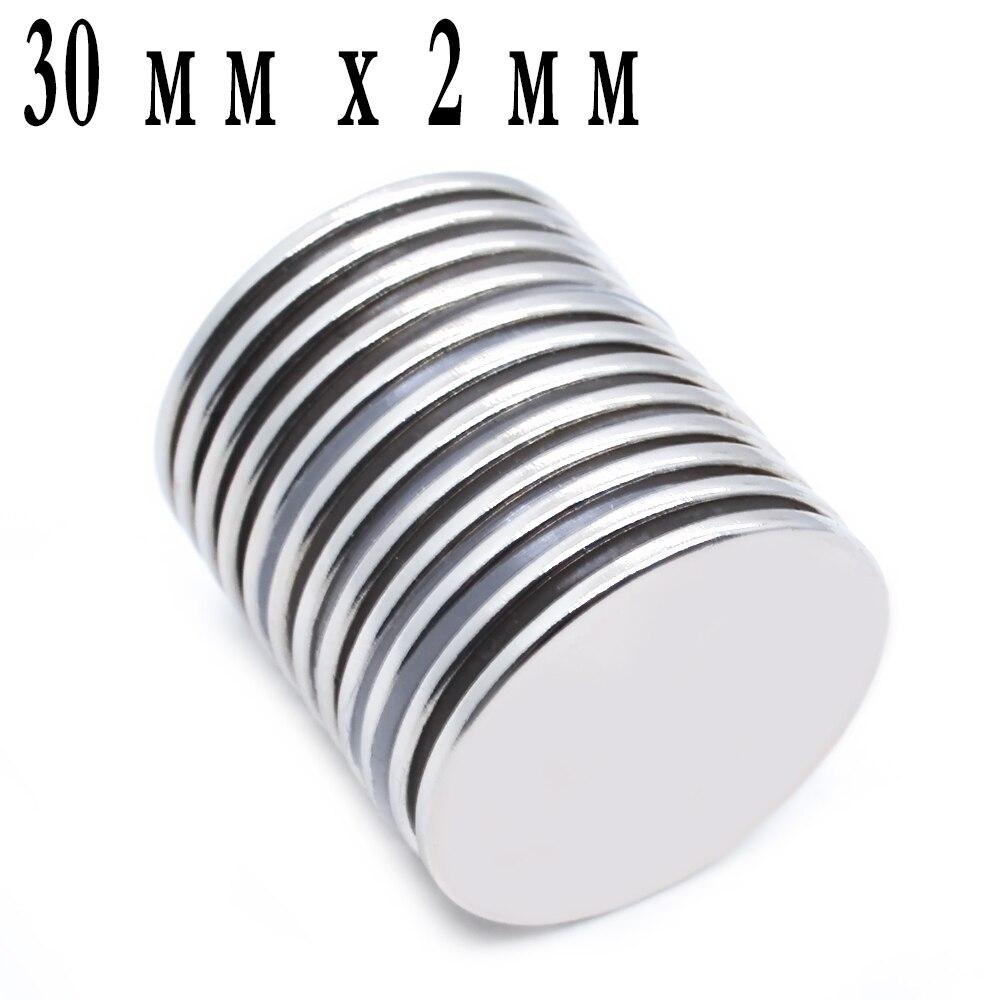 200 pièces puissants puissants massifs petits aimants ronds avec un diamètre de 30 mm x 2 mm Aimant de Néodyme de terre Rare
