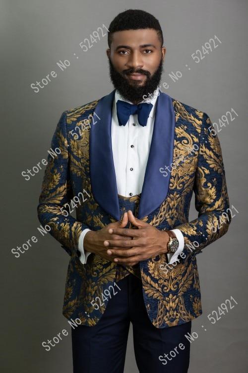 Мужские костюмы с золотым узором и темно синие смокинги для жениха, шаль, атласные лацканы женихов, мужские свадебные костюмы для лучших мужчин (пиджак + брюки + жилет + галстук) C699