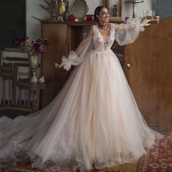 UZN Boho Ball Gown Wedding Puff Sleeves V-Neck Lace Appliques Flowers Wedding Gowns Sexy Dubai Backless Brides Dress Custom Made ball gown wedding dresses 2020 sexy backless vintage long sleeves lace appliques flower dubai formal bridal wedding gowns