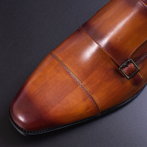 Image 4 - Prawdziwej skóry męskie buty wizytowe ręcznie brązowy kolor czerwony biuro biznes Oxford Cap Toe trzy klamry pasek styl włoski buta