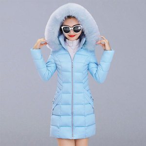 Image 1 - Winter Toevallige Bovenkleding Jassen Vrouwen New Fashion Koreaanse Style Capuchon Met Bont Warm Thicken Parka Vrouwen Lange Jassen P112