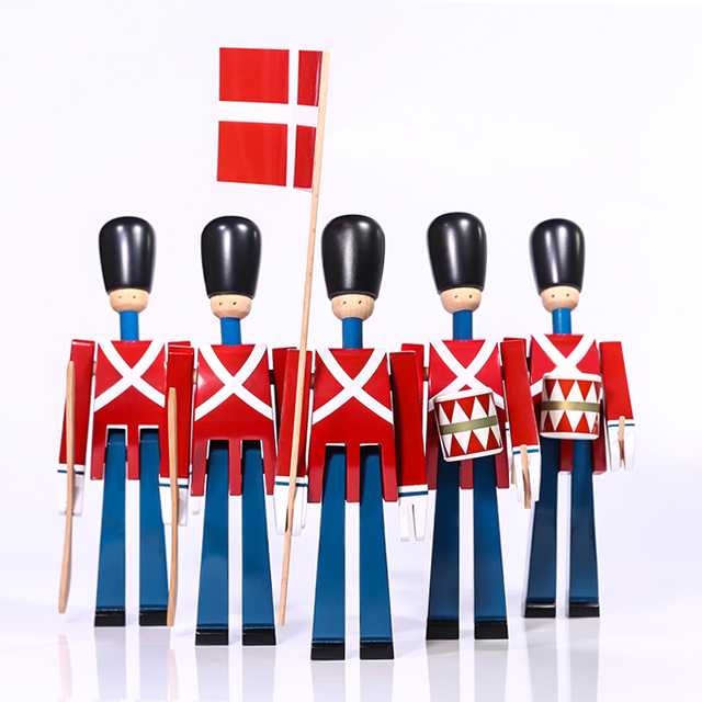 Nordic Danish Soldier Wooden Miniature Figurines Decoration Creative Home Decor Children's Model Puppet Handmade Solid Wood 2