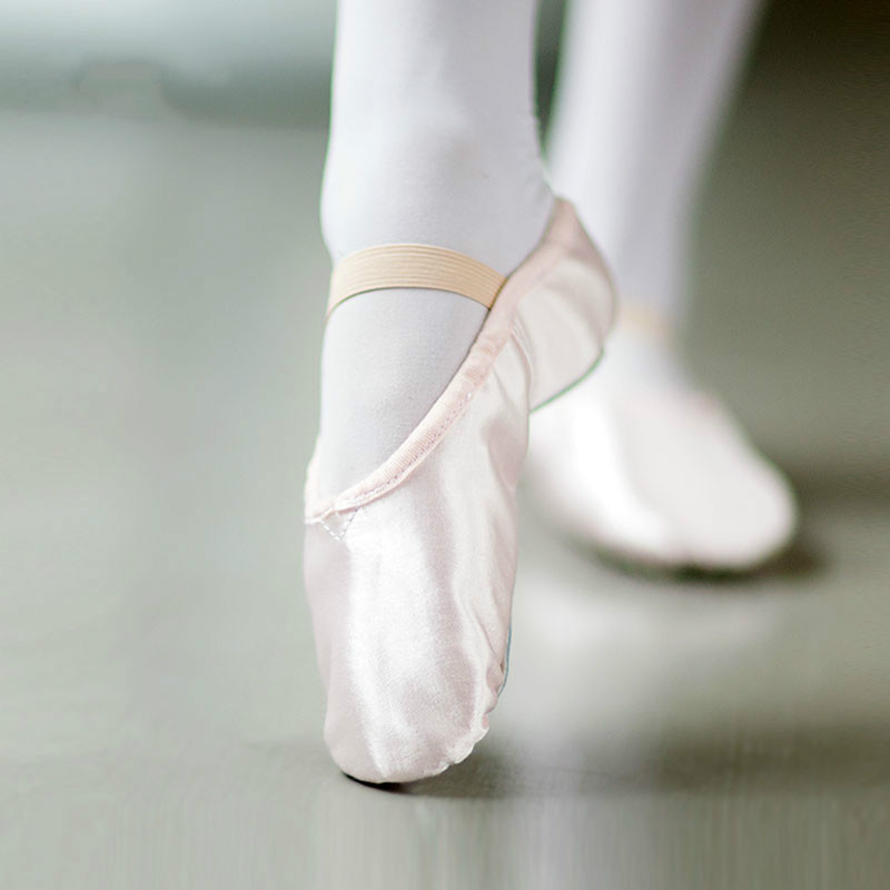 Cara Memilih Sepatu Pointe yang Tepat untuk Balet Dansa