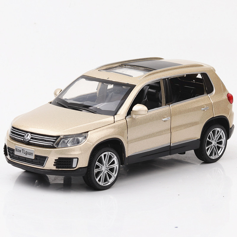 Diecast 1:32 Tiguan Zinc Alloy Car Model Sound And Light Pull Back Children Toys Road For Cars Hot Wheels Train Toy Machine